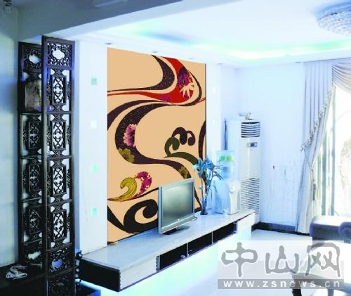 电视背景墙的手绘画可以根据客厅的风格来定图案.