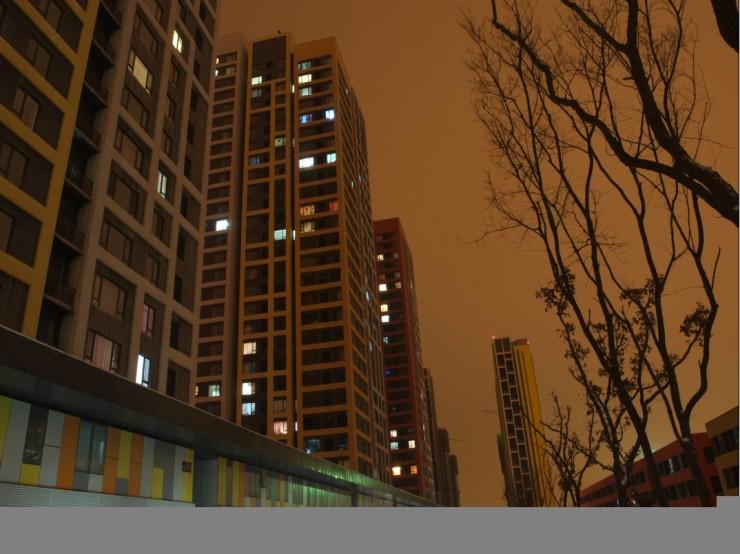 图:【窗外的风景】 夜色阑珊