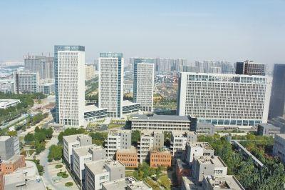 中国第一个对外开放的工业园区—蛇口工业园创立,工业地产随之兴起.
