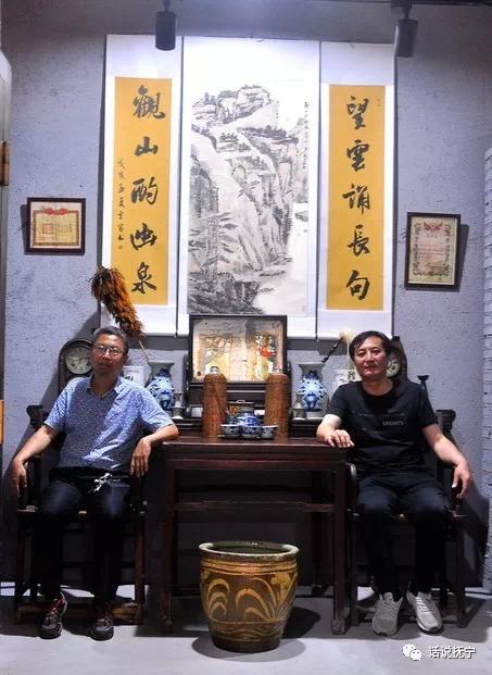 至今仍能播放的留声机,二三十年代大上海流行 过去大户人家客厅的