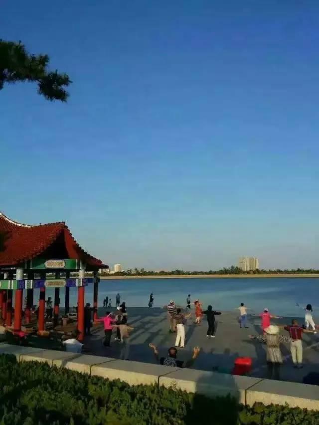 沙滩,凤凰湖垂钓,高尔夫,4a级赤山风景区,轻轨,机场,轮船,超市,高端