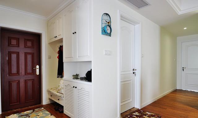 新房装修,门口柜子这么做最实用,90平才花了8万效果还