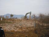 昆明新年第一拆:一个月盖房1500亩1500名城管两天才拆完
