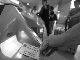在沈阳站乘坐哈大高铁全线列车可刷身份证乘车 无需换纸质车票