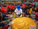 四川广元现手工制作超级大月饼