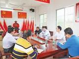 张耕在海头镇调研扶贫工作时强调:提升群众满意度 确保目标任务完成