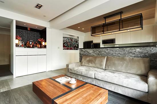木纹砖搭配木地板,创造空间层次感