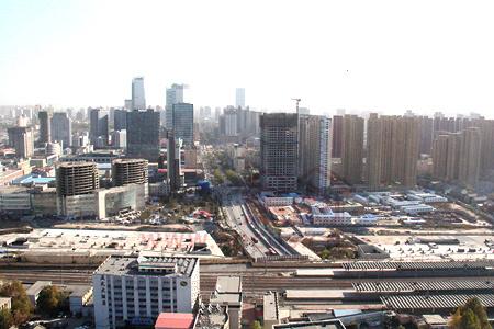 由苏宁广场俯瞰桥东区中山路沿线一带