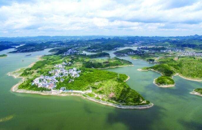 """保护贵阳""""大水缸""""红枫湖水源地 再搬迁两个村"""