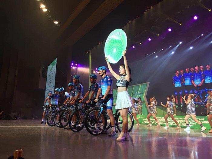 第十二届环海南岛国际公路自行车赛27日晚开