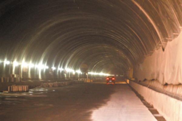 南绕城高速太行特长隧道双幅贯通 预计2019年底主线通车