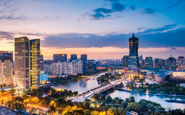在杭州城央,你是否梦想过一座带小院儿的大房子?