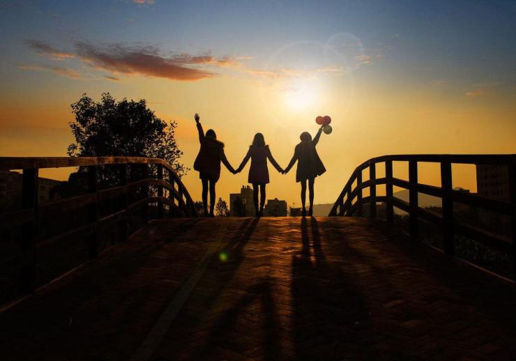 """""""书尽三行 情入半生""""在浪漫五月 与苏河湾一起说最浪漫的情话"""
