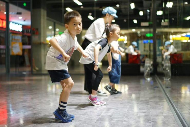 小龙人街舞大赛背后 每个孩子都飞速成长
