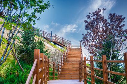 八达岭孔雀城,用登山揽月的诗意创造美好生活!