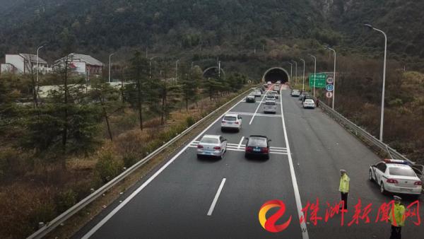 今年春运,株洲辖区高速公路查获各类交通违法4.43万余起