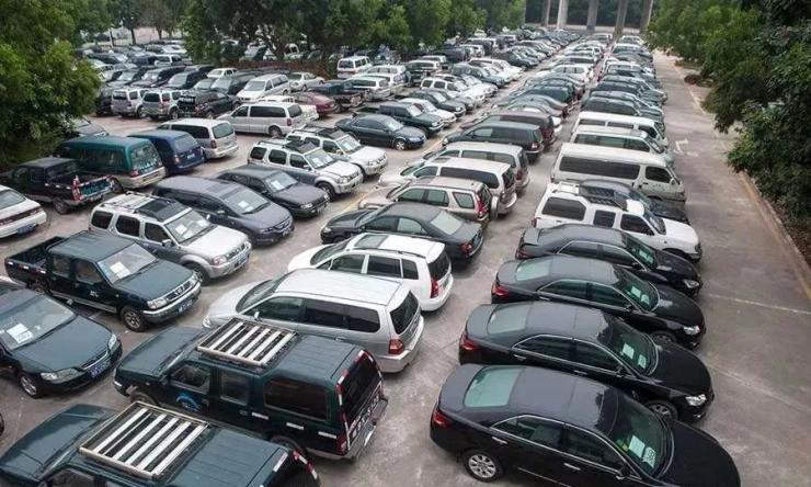 """三水停车难如何解决?市消委会建议:车位不可""""只售不租"""""""