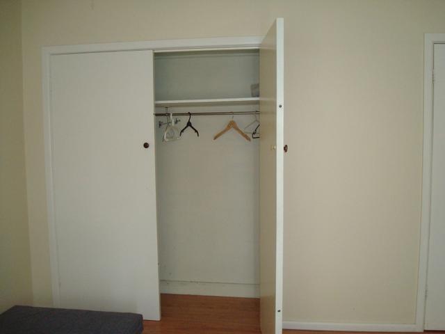 衣柜还能做在墙里面的,不占空间还美观!