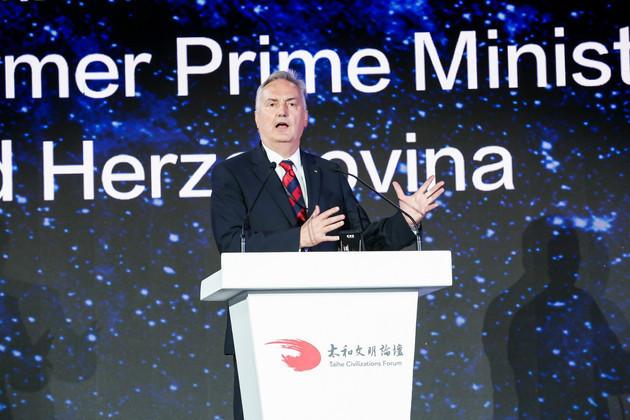 波黑前总理兹拉特科·拉古姆季:应更加认真对待我们的星球