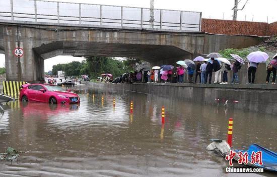 中国红基会:2000只赈济家庭箱驰援四川洪涝灾区