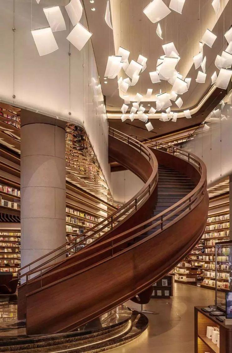 书香之城 | 日本国宝级设计师中国首秀亮相,这家书店有颜值更有气质