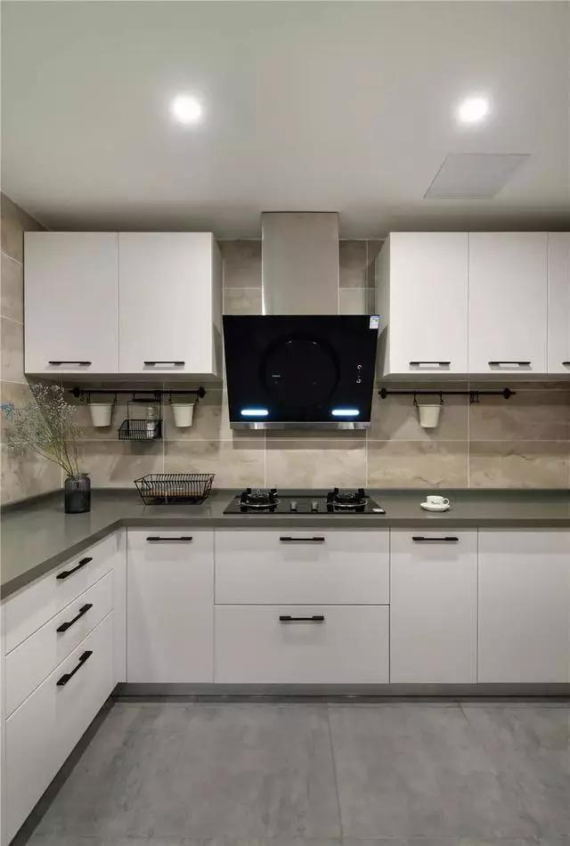 芜湖保利香颂98㎡三居室简约风复式装修