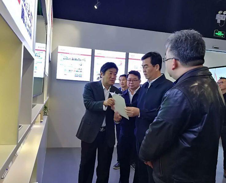 李炳軍在北京考察洽談招商項目